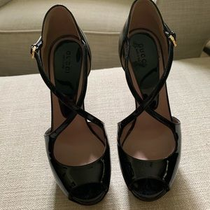 Gucci Black Patent Leather Criss-Cross Pumps, 35.5